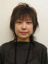 エクステをつけてえり足長めの軽くてさわやかレイヤースタイル HAIR & MAKE cottonのヘアスタイル