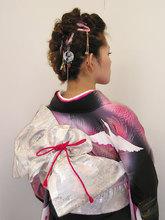 成人式でも大人っぽくかっこかわいくモヒカンスタイル|HAIR & MAKE cottonのヘアスタイル