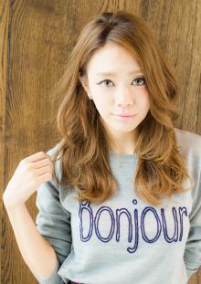 ロング カジュアルウェーブ|AFLOAT JAPANのヘアスタイル