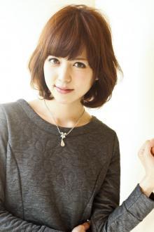 ふわっと愛されミディアムボブ|AFLOAT JAPANのヘアスタイル
