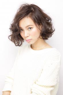 見る角度によって微妙に色が変化するモードテイストなカラー AFLOAT JAPANのヘアスタイル