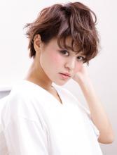コントラストカラーで立体感を出したボルドーカラー|AFLOAT JAPANのヘアスタイル