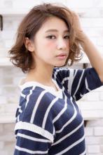 リッジ感カールでボリュームを アップしたフェミニンボブ|AFLOAT JAPANのヘアスタイル