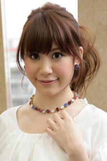 ピュア感あふれるポニーテール風アレンジ|AFLOAT JAPANのヘアスタイル