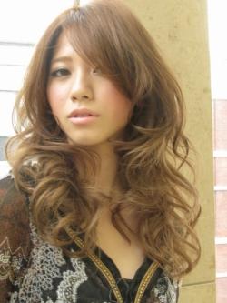 ☆外国人風ドレスカール☆ | 銀座の美容室 XELHAのヘアスタイル | Rasysa(らしさ)
