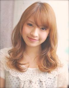 フェミニンロングスタイル|AFLOAT JAPANのヘアスタイル