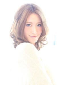 小顔髪型☆ミディアムスタイル