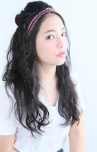フォークロアな雰囲気の三つ編みハーフアップアレンジ|AFLOAT NAGOYAのヘアスタイル