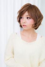 クリップカール ショート air-OSAKA (心斎橋)のヘアスタイル