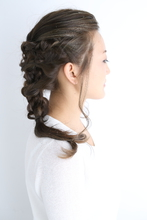すっきりとした 編みこみ|ASSEMBLAGE  心斎橋店 のヘアスタイル