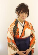 袴の着付とヘアセット|Raffine 三宮のヘアスタイル