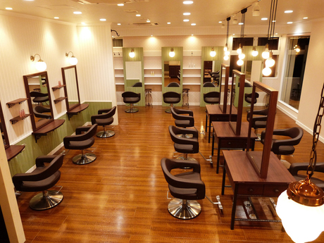 Hair&Beauty B's amor 尾張旭店