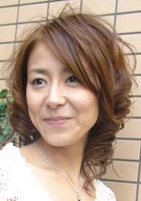 レイヤーカットで作るくるくるカール|Buzz salon for hair    〜素材(髪)を大切に〜のヘアスタイル