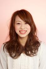 脱力感から生まれる大人可愛いらしさ|美容室 champion 麻生 渚のヘアスタイル
