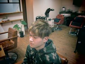 動きを出すメッシュカラー|eternity hairのメンズヘアスタイル