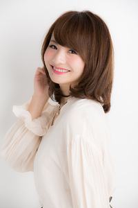 【Euphoria銀座本店】小顔大人女子☆斜めバングミディ
