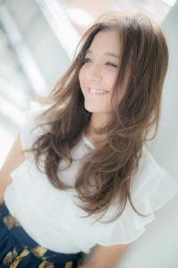 【Euphoria】軽やかさを味方につけた☆透けで魅せるふわグラヘア