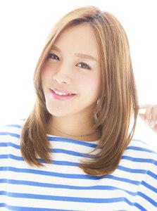 顔周りを包み込むレイヤーで小顔になれるストレート|Euphoria SHIBUYA GRANDEのヘアスタイル