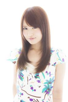 自然な丸みのあるストレート|Euphoria SHIBUYA GRANDEのヘアスタイル