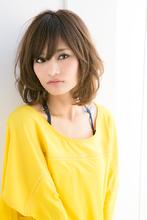 上品で外ハネやルーズな質感のリラックス感のあるナチュラルショート|GARDEN Tokyoのヘアスタイル