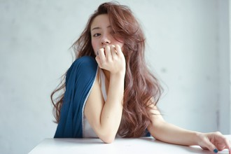 かきあげバングロング|HEAVENS SHIBUYAのヘアスタイル