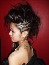 ロックなイメージのチョイ悪リーゼントスタイル|Hair Produce ALiveのヘアスタイル