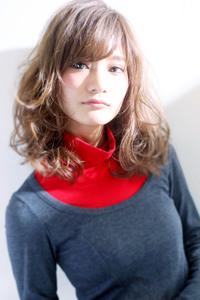 アンニュイひし形流し前髪カジュアルカール