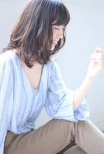 大人柔らか抜け感ミディ|Maria by afloatのヘアスタイル
