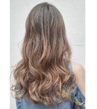 グレージュ グラデーションカラー|MEGAMI BeautyShop 西淀川区 塚本店のヘアスタイル