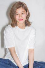 外国人風ナチュラルはねミディアム|MINX aoyamaのヘアスタイル