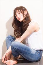 森絵梨佳風 セピアアッシュ×ゆるふわロング|MINX 銀座店のヘアスタイル