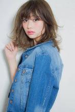 オトナ女子におすすめ!抜け感軽やかレイヤーミディ|MINX 銀座店のヘアスタイル