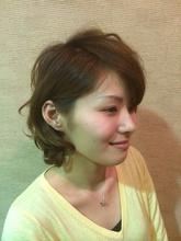 耳にかけると女度up!|naturally ALiveのヘアスタイル