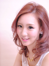 桜レイヤーセミディ KENZO copineのヘアスタイル