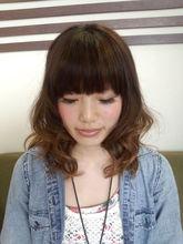 グラデーションカラー LaLuna Ozのヘアスタイル