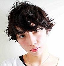 ウェットカールショート MASHU NU茶屋町店のヘアスタイル