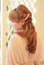 編み込みゆるアレンジ|R-DRESSERのヘアスタイル