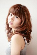 重ためふんわりフェミニンパーマ|Hair&Make BONDのヘアスタイル