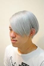 ROCK!シルバーカラーにメンズ系ツーブロックマッシュボブ★|Cure2のメンズヘアスタイル