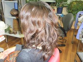 くせ毛を矯正してウェーブパーマ|びゅうてぃぷらざコア 東岩槻店のヘアスタイル