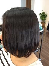 自然な内巻きボブ×縮毛矯正 meets+のヘアスタイル