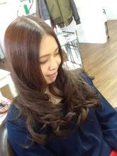 ゆるふわロング Hair Creation Vrai Coeurのヘアスタイル