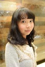 ミディアムカール|COM'S / i テラスモール湘南のヘアスタイル