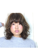 硬い髪が柔らかく見える!?外国人風カールスタイル♪|COM'S 藤沢のヘアスタイル
