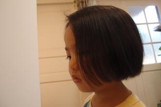 耳にかけてもかわいいよ。|NIDOL for hairのキッズヘアスタイル