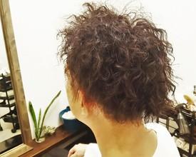 泣く子も笑うスパイラル|NIDOL for hairのメンズヘアスタイル