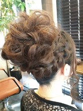 ドーリー編み込み Ricca hairのヘアスタイル