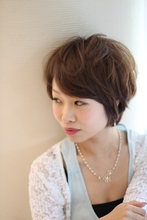 大人かわいい癒されショート|UNBRASのヘアスタイル