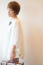 【フェミニン×カジュアル】2wayショート TRON 美容室のヘアスタイル
