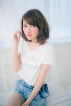 抜け感ミディ|Brella hair designのヘアスタイル